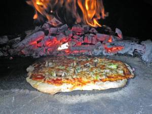 Tasty Pizza from a Backyard Pizza Oven